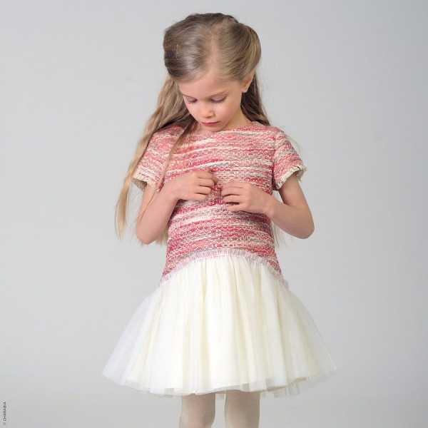 15ded944358d56f Сшейте вот такое нижнее платье — можно просто пришить к трикотажной маечке  пышную юбку из фатина — и оно вас выручит не раз, так как надеть его можно  будет ...